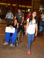 Ajay Devgan and Kajol return from London along with mom and kids on 2nd july 2015