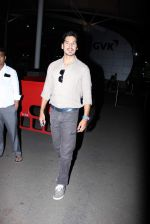 Dino Morea snapped at domestic airport in Mumbai on 2nd July 2015