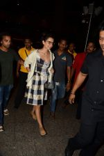 Kangana Ranaut reurns from London in Mumbai Airport on 2nd July 2015 (20)_559630a166ebe.JPG