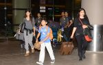 Sanjay Kapoor with wife Maheep in Mumbai Airport on 2nd July 2015 (15)_559630a8800ed.JPG