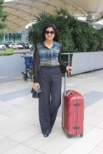 Shriya Saran snapped at domestic airport in Mumbai on 2nd July 2015