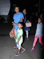 Suriya, Jyothika snapped at domestic airport in Mumbai on 2nd July 2015 (28)_559633a0a34a7.JPG