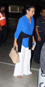 Tanuja snapped at the international airport in Mumbai on 4th July 2015