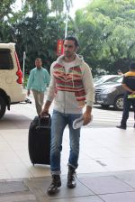 Kunal Kapoor snapped at domestic airport on 5th July 2015
