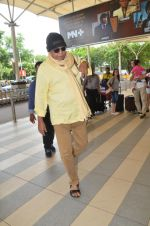 Mithun Chakraborty snapped at Mumbai airport on 5th July 2015 (26)_559a44c366b2c.jpg