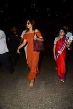 Sonam Kapoor arrive from Turkey in Mumbai on 7th July 2015 (17)_559ce55922eb7.JPG