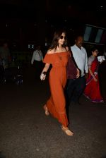 Sonam Kapoor arrive from Turkey in Mumbai on 7th July 2015 (21)_559ce55bd9aaf.JPG