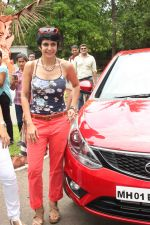 Mandira Bedi flags off the Street smart street safe women safety drive in Mumbai on 8th July 2015 (1)_559e7fdaeea14.JPG