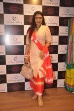 Aarti Surendranath at Krishna Mehta_s store in association with Tata Medical Center in Chowpatty on 10th July 2015 (11)_55a10bb1a1b6a.JPG