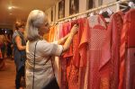 Waheeda Rehman at Krishna Mehta_s store in association with Tata Medical Center in Chowpatty on 10th July 2015 (52)_55a10c0b8b7de.JPG