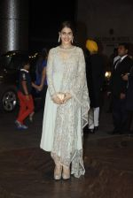 Genelia D Souza at Shahid Kapoor and Mira Rajput_s wedding reception in Mumbai on 12th July 2015 (43)_55a3752371b5f.JPG