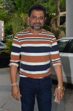 Anees Bazmee at Welcome Back song shoot in Aarey Milk Colony on 13th July 2015