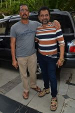 Anees Bazmee, Nana Patekar at Welcome Back song shoot in Aarey Milk Colony on 13th July 2015 (295)_55a4b1f94b976.JPG