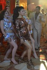 Shruti Haasan at Welcome Back song shoot in Aarey Milk Colony on 13th July 2015