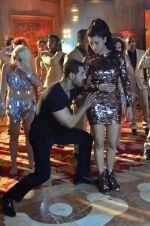 Shruti Haasan, John Abraham at Welcome Back song shoot in Aarey Milk Colony on 13th July 2015