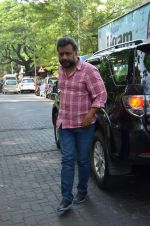 Anubhav sinha at Mahesh Dada_s prayer meet in Khar, mumbai on 14th July 2015 (39)_55a5fec3766c9.JPG