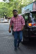 Anubhav sinha at Mahesh Dada_s prayer meet in Khar, mumbai on 14th July 2015 (40)_55a5fec425626.JPG