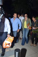 Kareena Kapoor, Salman Khan return from Delhi on 14th July 2015