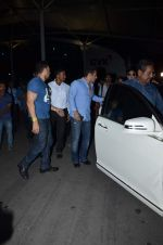 Salman Khan and Kareena Kapoor return from Delhi on 14th July 2015