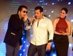 Salman Khan, Kareena Kapoor, Mika Singh at Bajrangi Bhaijaan promotions in Delhi on 14th July 2015