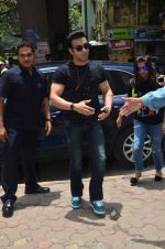 Pulkit Samrat snapped in Lower Parel, Mumbai on 15th July 2015