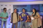 Salman Khan, Salim Khan, Kabir Khan, Mini Mathur launches a book on Bajrangi Bhaijaan in Bandra, Mumbai on 16th July 2015 (42)_55a7c44409ca8.JPG
