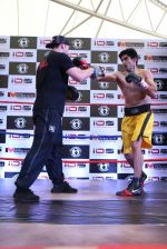 Vijender Singh was seen LIVE in practice with Globally Acclaimed Champion Trainer Lee Beard in Mumbai on 15th July 2015 (4)_55a758463e051.JPG