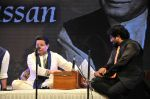 Anup Jalota, babul Supriyo at the Tribute to Jagjit Singh with musical concert Rehmatein in Mumbai on 18th July 2015 (108)_55aca020447b4.JPG