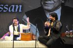 Anup Jalota, babul Supriyo at the Tribute to Jagjit Singh with musical concert Rehmatein in Mumbai on 18th July 2015 (2)_55aca09379e4b.JPG