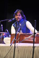 Javed Ali at the Tribute to Jagjit Singh with musical concert Rehmatein in Mumbai on 18th July 2015 (70)_55aca1a7c7b2d.JPG