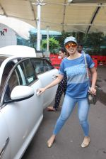 Laxmi Rai snapped at Airport on 20th July 2015 (65)_55ad06dce5c15.JPG