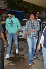 Abhishek Bachchan and Umesh Shukla at Radio Mirchi studio for promotion of their film All is well in Lower Parel on 20th july 2015 (25)_55aded5f37cf7.JPG