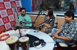 Abhishek Bachchan, Asin Thottumkal and Umesh Shukla at Radio Mirchi studio for promotion of their film All is well in Lower Parel on 20th july 2015 (48)_55adee37a5473.JPG