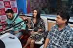 Abhishek Bachchan, Asin Thottumkal and Umesh Shukla at Radio Mirchi studio for promotion of their film All is well in Lower Parel on 20th july 2015 (36)_55aded6286eba.JPG