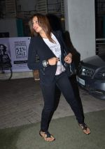 Bipasha Basu snapped in PVR on 20th July 2015 (38)_55adec182d77b.JPG