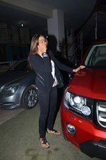 Bipasha Basu snapped in PVR on 20th July 2015 (42)_55adec1b2b6c3.JPG