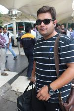 Ajay Nagrath snapped at airport on 24th July 2015 (11)_55b37a3d58c24.JPG
