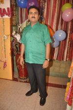 Dilip Joshi at taarak mehta ka ooltah chashmah celebrates 8 years in Kandivli on 27th July 2015 (51)_55b71d2a5c8d3.JPG