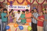 Dilip Joshi, Disha Vakani at taarak mehta ka ooltah chashmah celebrates 8 years in Kandivli on 27th July 2015 (34)_55b71d67c4010.JPG