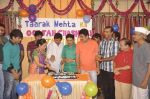 Dilip Joshi, Disha Vakani at taarak mehta ka ooltah chashmah celebrates 8 years in Kandivli on 27th July 2015 (37)_55b71d2f9516d.JPG