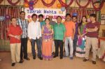 Dilip Joshi, Disha Vakani at taarak mehta ka ooltah chashmah celebrates 8 years in Kandivli on 27th July 2015 (41)_55b71d31a1436.JPG