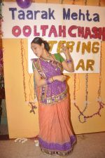 Disha Vakani at taarak mehta ka ooltah chashmah celebrates 8 years in Kandivli on 27th July 2015 (58)_55b71d74d6765.JPG