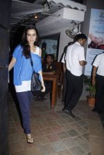 Shraddha Kapoor snapped with sister Tejaswani in Le Sutra on 27th July 2015