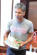 Milind Soman at Pinkathon press meet in Delhi on 28th July 2015 (1)_55b8c827753cc.jpg