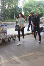Anushka Sharma snapped at the airport in Mumbai on 31st July 2015 (13)_55bba7812b41d.JPG