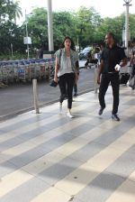 Anushka Sharma snapped at the airport in Mumbai on 31st July 2015 (19)_55bba789cf778.JPG