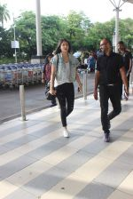 Anushka Sharma snapped at the airport in Mumbai on 31st July 2015 (20)_55bba78b40b46.JPG