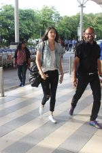 Anushka Sharma snapped at the airport in Mumbai on 31st July 2015 (22)_55bba78e16470.JPG