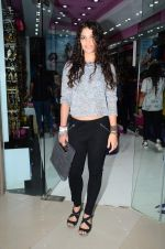 Ayesha Kapoor at friendship Day celebration at Ayesha Store, Phoenix Mills Lower Parel on 30th July 2015