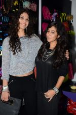 Ayesha Kapoor, Shaira at friendship Day celebration at Ayesha Store, Phoenix Mills Lower Parel on 30th July 2015 (47)_55bb2456d10d4.JPG